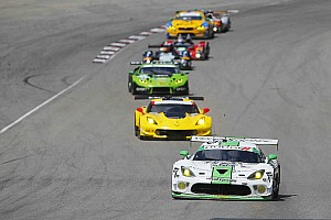 IMSA Race report Late-race contact battling for the lead keeps Viper Exchange from Motorsport Park repeat