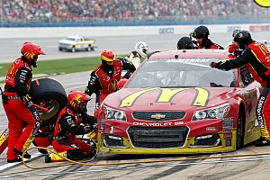 NASCAR Sprint Cup Breaking news McMurray escapes Talladega with a much-needed top five