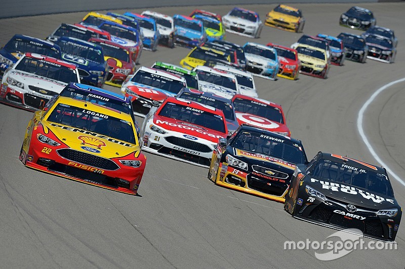 nascars racing teams essay What are the similarities and differences between nascar and what are the differences between nascar and formula 1 both have racing teams.