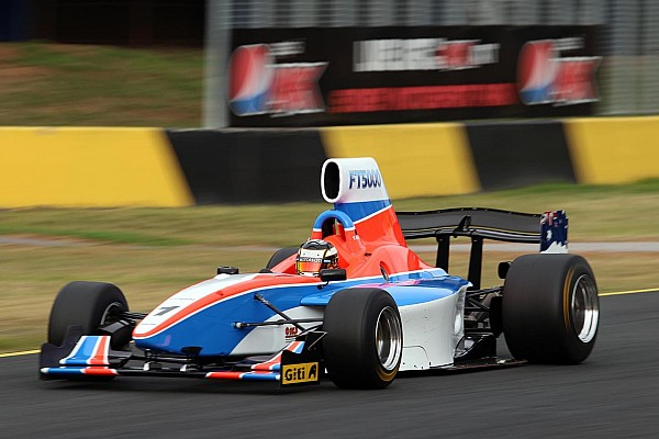 """Other open wheel Breaking news Formula 5000 concept """"a whole bunch of fun"""" says test driver"""