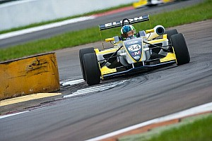 Fórmula 3 Brasil Relato de classificação Matheus Iorio marca primeira pole do ano na F3