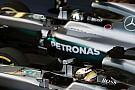 Hamilton defends Mercedes crew from fan criticism