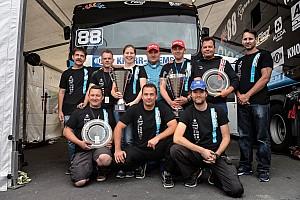 Kamion Eb BRÉKING OXXO Energy Truck Race Team: Ez a Ti trófeátok!