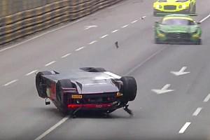 GT Rennbericht GT-Weltcup in Macau: Abbruch nach heftigem Unfall von Laurens Vanthoor