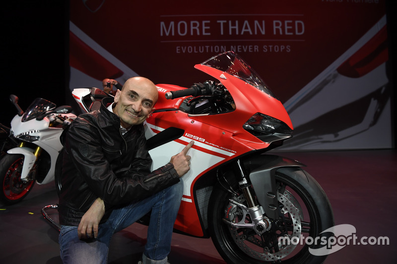 Claudio Domenicali mit der Ducati 1299 Superleggera