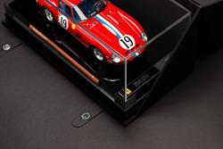 Ferrari 250 GTO 1:18 scale model