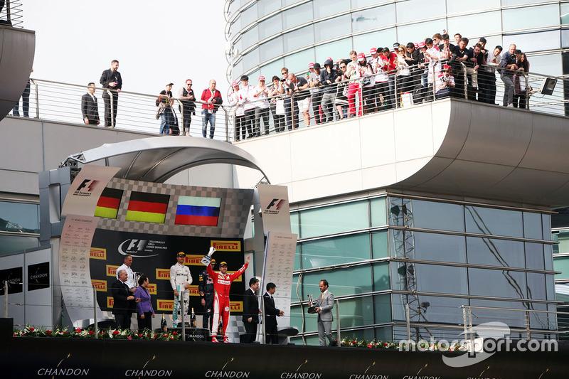 Podium: winner Nico Rosberg, Mercedes AMG F1 Team, second place Sebastian Vettel, Ferrari, third place Daniil Kvyat, Red Bull Racing