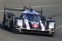Le Mans Photos - #2 Porsche Team Porsche 919 Hybrid: Romain Dumas, Neel Jani, Marc Lieb