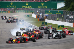 Temporada 2016 F1-german-gp-2016-max-verstappen-red-bull-racing-rb12-at-the-start-of-the-race