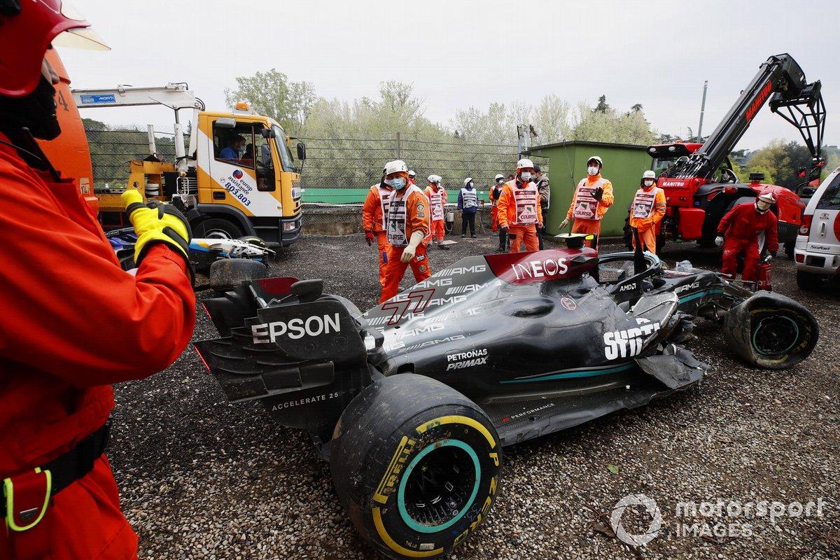 Así quedó el Mercedes de Valtteri Bottas en Imola.