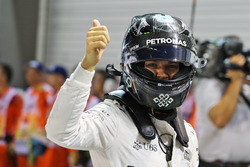 Pole position for Nico Rosberg, Mercedes AMG F1 W07 Hybrid
