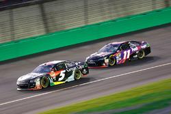 Kasey Kahne, Hendrick Motorsports Chevrolet, Denny Hamlin, Joe Gibbs Racing Toyota
