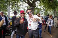 Формула E Фото - Эмерсон Фиттипальди и Алехандро Агаг, генеральный директор Formula E