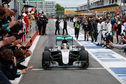 Race winner Lewis Hamilton, Mercedes AMG F1 W07 Hybrid enters parc ferme