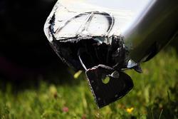 Пошкоджена носова частина Mercedes AMG F1 W07 Hybrid Ніка Росберга, Mercedes AMG F1, після аварії