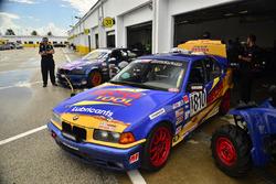 #810 MP3B BMW driven by Pedro Redondo Sr. and Pedro Redondo Jr. of TLM Racing, #102 MP3B BMW 325i driven by Witold Ramasauskas and Claudio Ramanzoni of TLM Racing