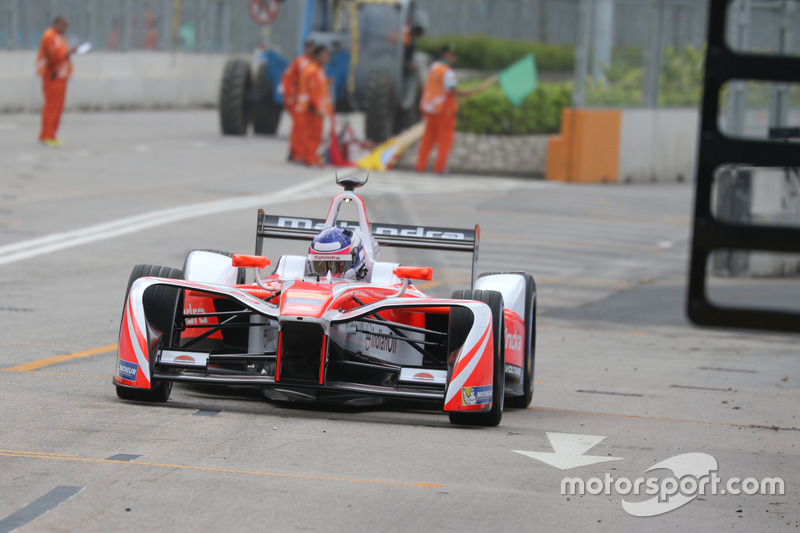 Formula E Race report Hong Kong ePrix: Buemi wins, Mahindra's third & 15th