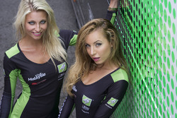 MotoGP 2016 Motogp-british-gp-2016-lovely-grid-girls
