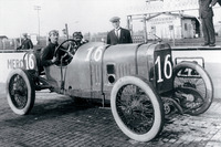 IndyCar Photos - Race winner Jules Goux, Peugeot