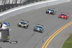 #44 Magnus Racing Audi R8 LMS: John Potter, Andy Lally, Marco Seefried, René Rast, #23 Team Seattle/Alex Job Racing Porsche GT3 R: Ian James, Mario Farnbacher, Wolf Henzler