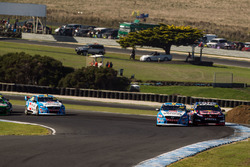 Scott McLaughlin, Garry Rogers Motorsport Volvo and Jamie Whincup, Triple Eight Race Engineering Holden