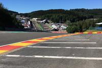 Formula 1 Foto - Spa: i limiti della pista al Raidillon