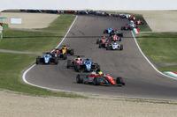 Formula 4 Photos - Mick Schumacher, Prema Powerteam al comando alla partenza di Gara 1
