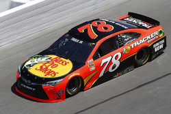 Nascar 2016 Paint Schemes - Page 3 Nascar-cup-daytona-500-2016-martin-truex-jr-furniture-row-racing-toyota