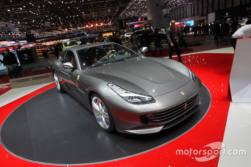 ferrari gtc4 lusso at geneva international auto show. Black Bedroom Furniture Sets. Home Design Ideas