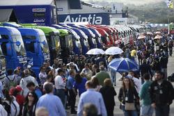 MotoGP 2016 Motogp-spanish-gp-2016-atmosphere-in-the-paddock