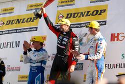 Podium: Race winner Mat Jackson, Motorbase Performance; Jason Plato, Subaru Team BMR; Sam Tordoff, Team JCT600 with GardX