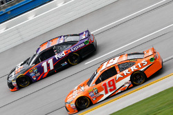 Carl Edwards, Joe Gibbs Racing Toyota, Denny Hamlin, Joe Gibbs Racing Toyota