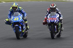 Aleix Espargaro, Team Suzuki MotoGP and Jorge Lorenzo, Yamaha Factory Racing
