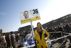 Grid girl of Maxime Martin, BMW Team RBM, BMW M4 DTM.