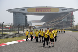 Jolyon Palmer, Renault Sport F1 Team and Kevin Magnussen, Renault Sport F1 Team walk the circuit