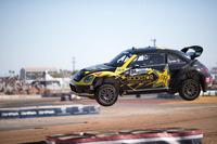 Global Rallycross Photos - #34 Volkswagen Andretti Rallycross Volkswagen Beatle: Tanner Foust