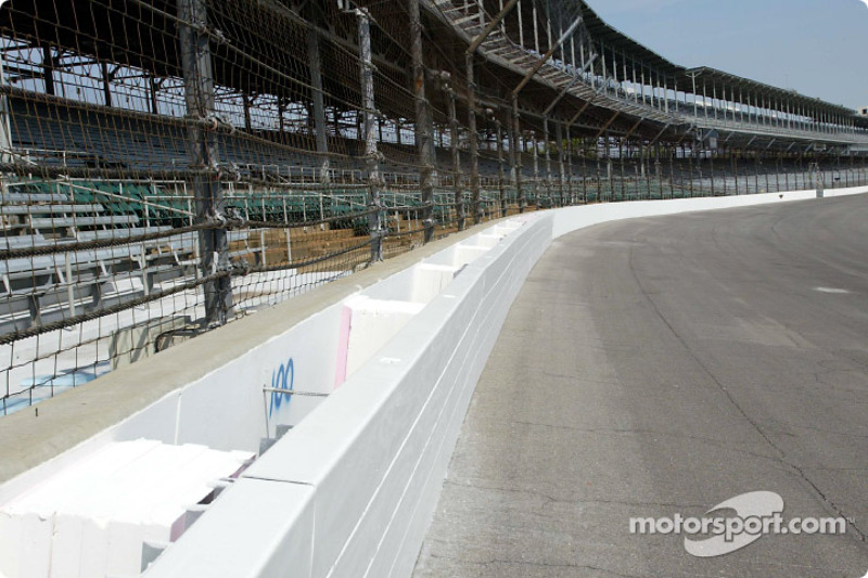 IRL: Indianapolis SAFER barrier announcement