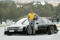 Opel fastest second day at Estoril