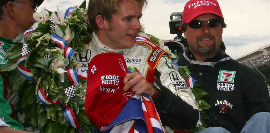 IRL: Wheldon wins the big one in Indianapolis