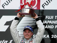 Raikkonen wins thrilling Japanese GP
