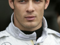 Williams signs Wurz as third driver