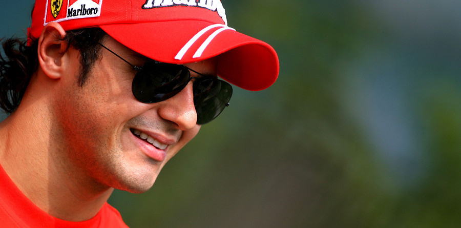 Ferrari confirms Massa through 2010