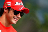 Ferrari confirms Massa through 2010