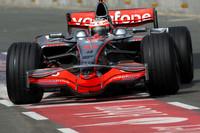 Kovalainen takes McLaren top at Silverstone test