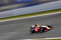 Aleshin takes maiden victory at Oschersleben