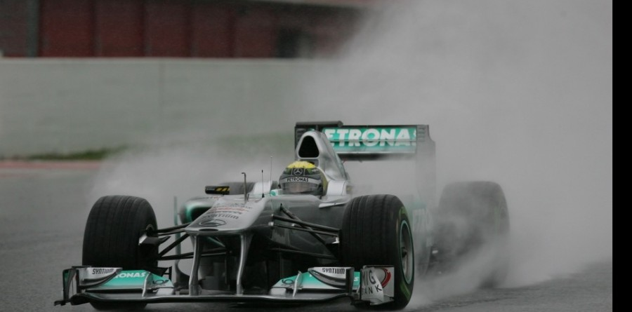 Rosberg fast in the wet on Barcelona final test day