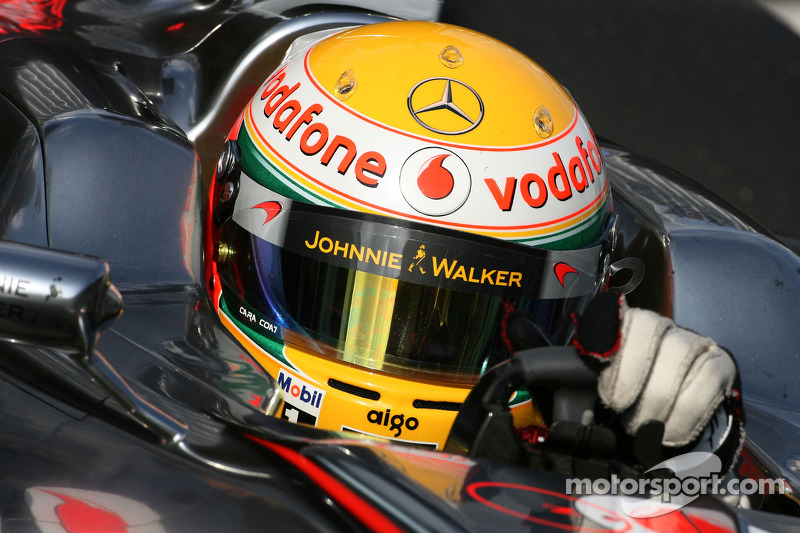 Red Bull signs Vettel, Hamilton signs new manager