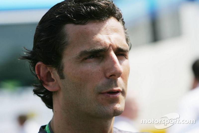 Pirelli wants de la Rosa for one last test
