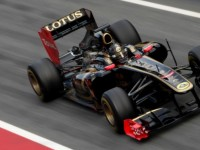 Renault engine burns fuel to help F1 customers