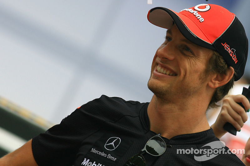 Button would like V10 engines back in F1